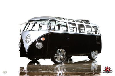 1962 Volkswagen Microbus Deluxe Samba 23 Window Bus Kindig-It Design Van
