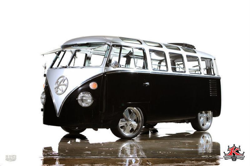 1962 Volkswagen Microbus Deluxe Samba 23 Window Bus Kindig-It Design - Click to see full-size photo viewer