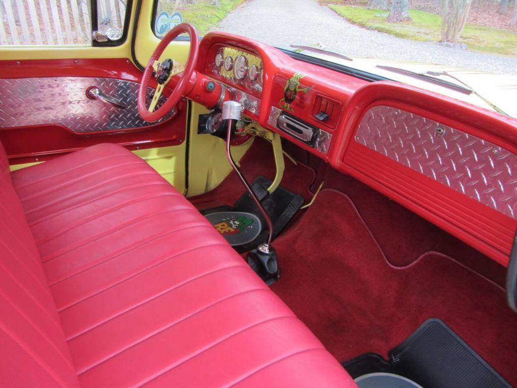 1963 Chevrolet C10 SWB Fleetside Low Rider Custom For Sale - 18398462 - 9