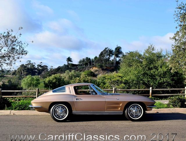 1963 Chevrolet Corvette  - Click to see full-size photo viewer