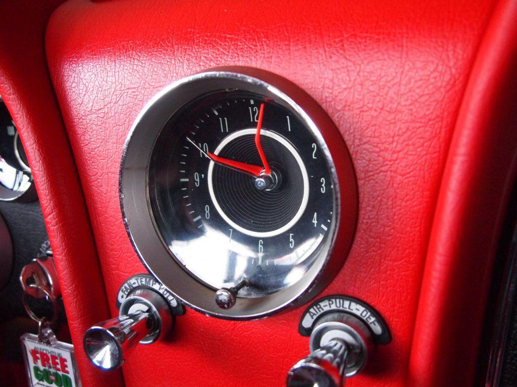 1964 Chevrolet Corvette Stingray - 17681969 - 56