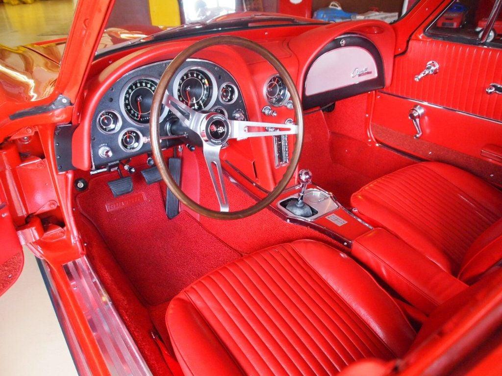 1964 Chevrolet Corvette Stingray - 17681969 - 65