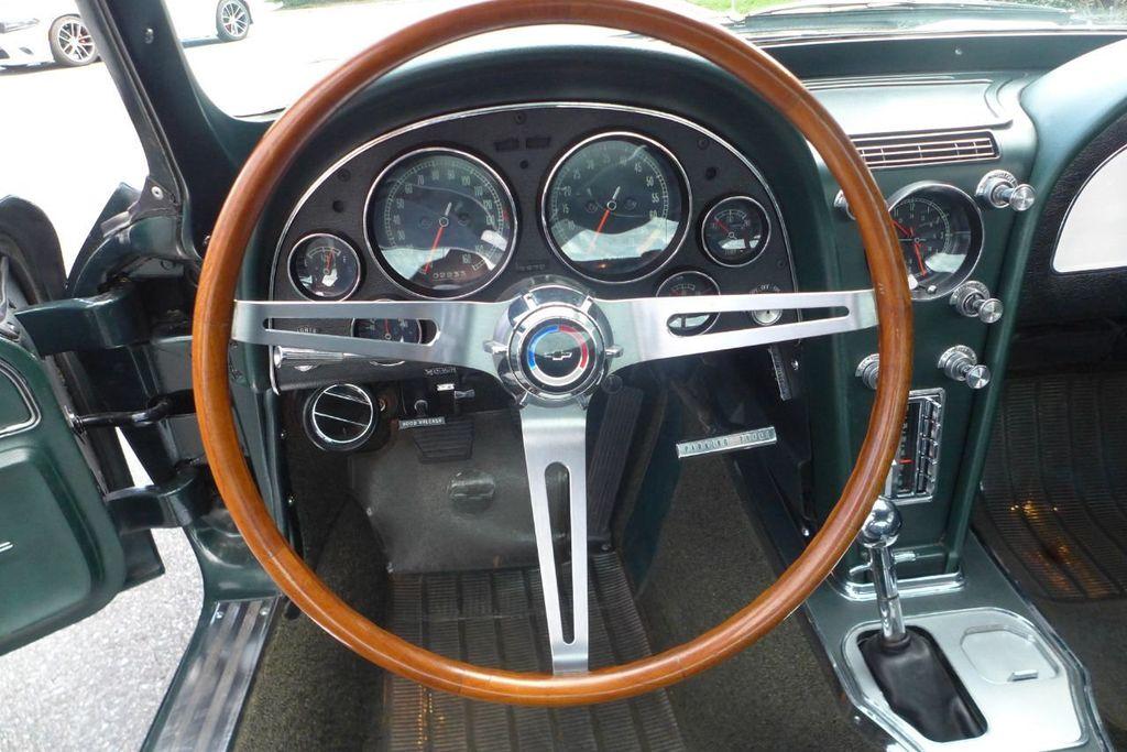 1965 Chevrolet Corvette  - 18227596 - 16