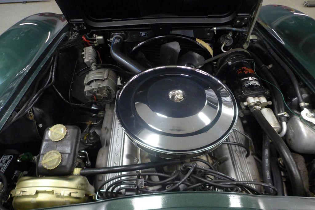 1965 Chevrolet Corvette  - 18227596 - 17