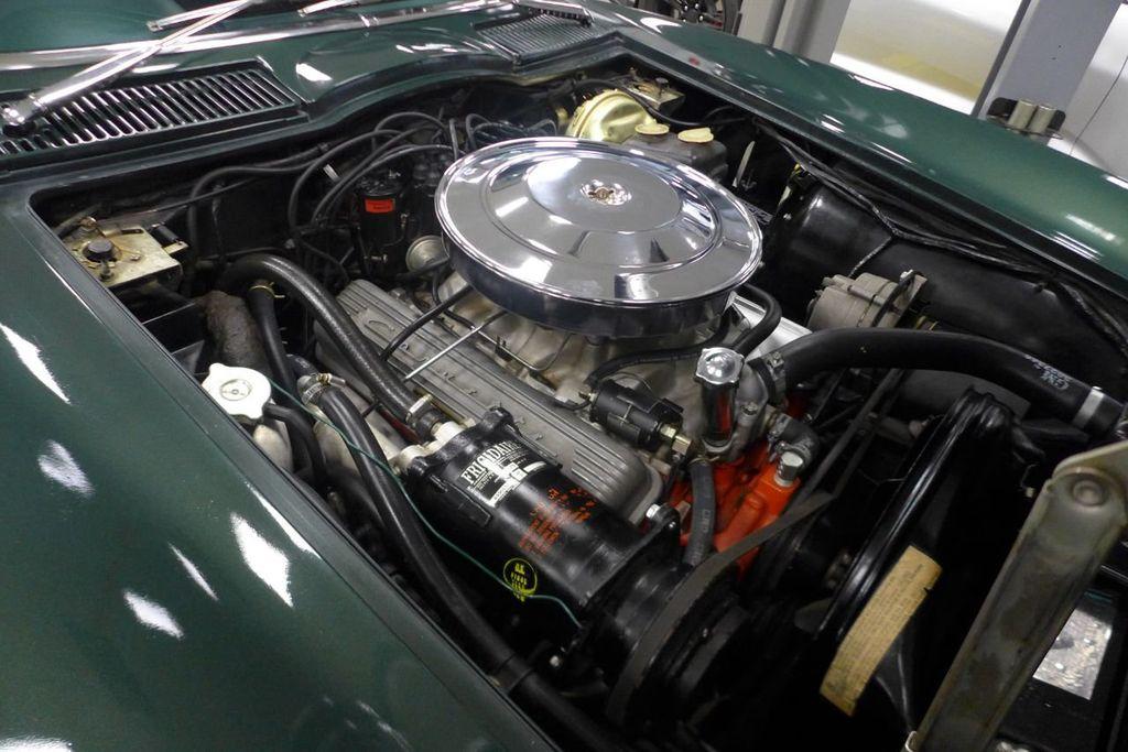 1965 Chevrolet Corvette  - 18227596 - 19