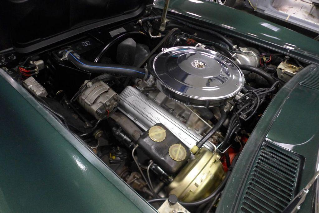 1965 Chevrolet Corvette  - 18227596 - 22