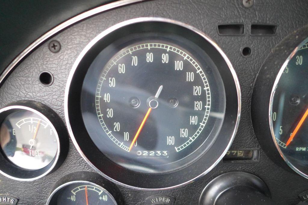 1965 Chevrolet Corvette  - 18227596 - 26