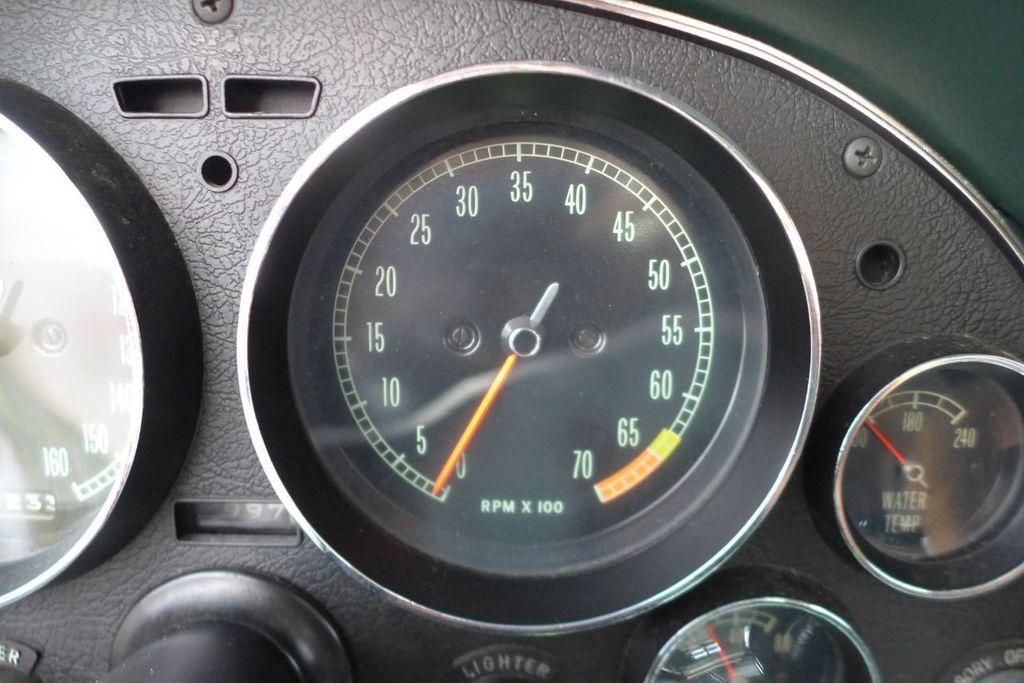 1965 Chevrolet Corvette  - 18227596 - 27