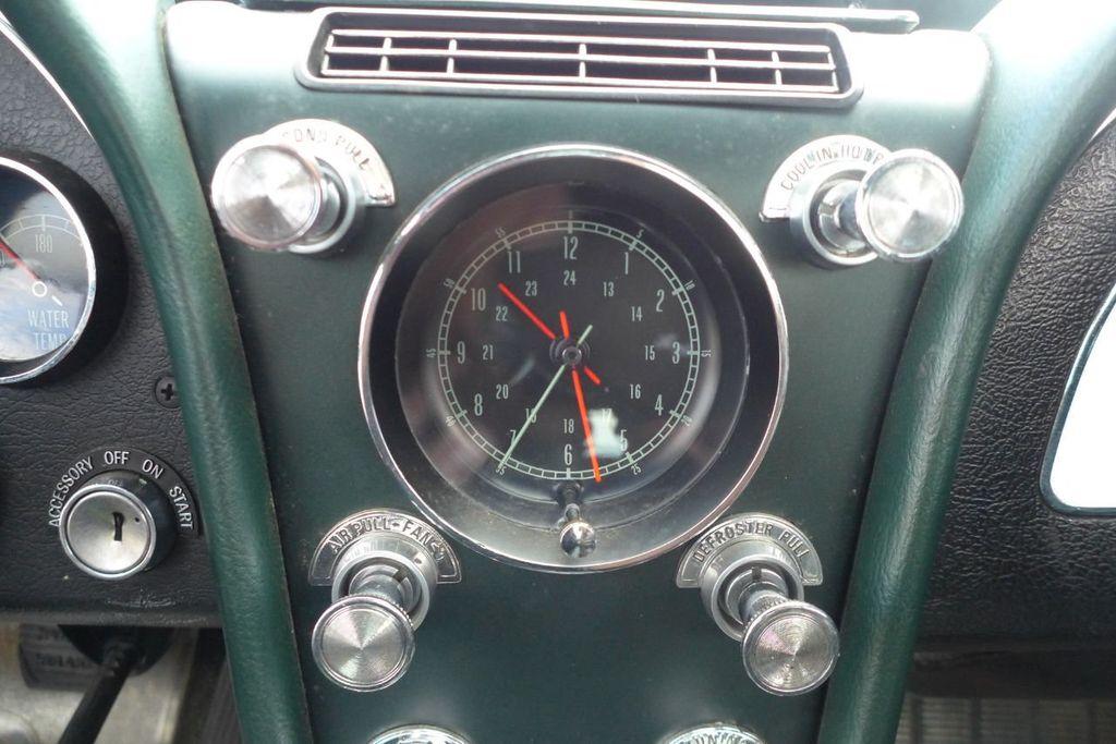 1965 Chevrolet Corvette  - 18227596 - 30
