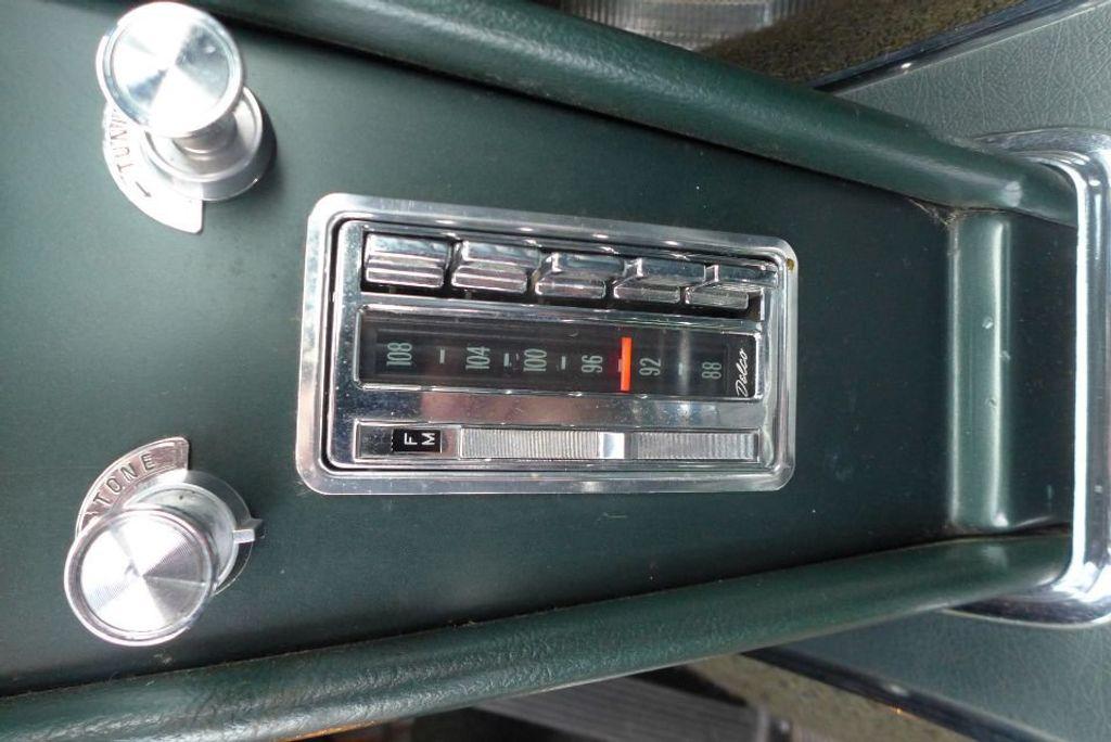 1965 Chevrolet Corvette  - 18227596 - 31