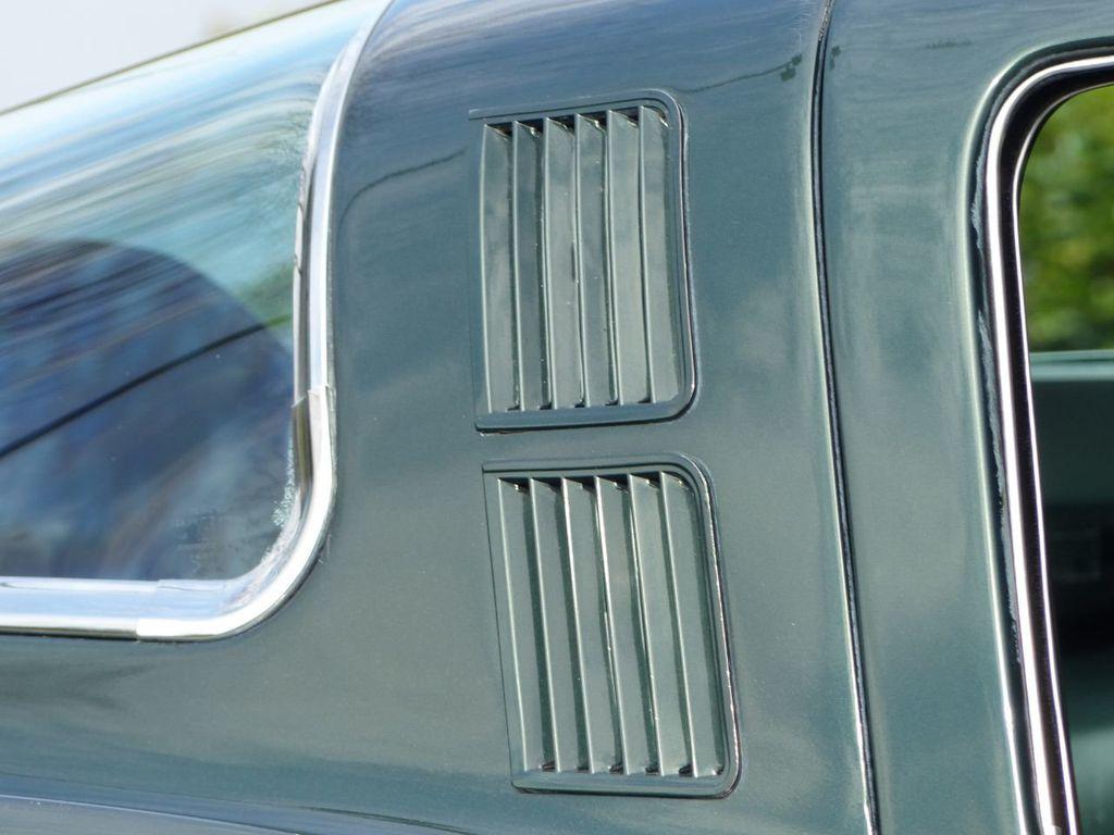 1965 Chevrolet Corvette  - 18227596 - 51