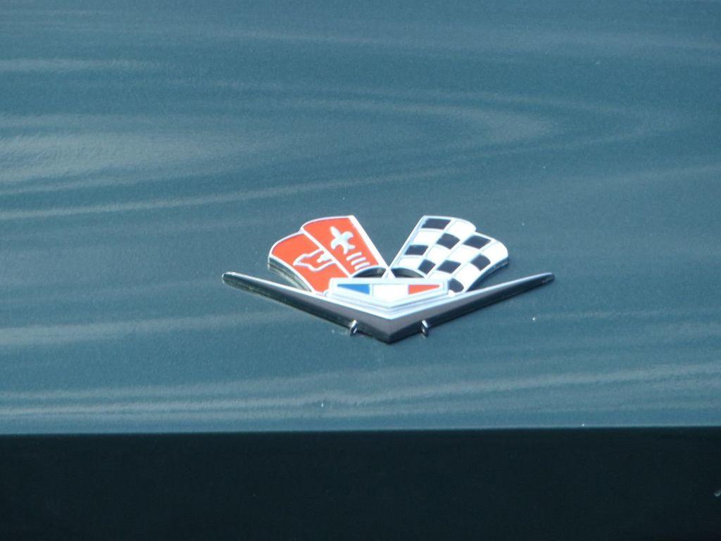 1965 Chevrolet Corvette  - 18227596 - 55