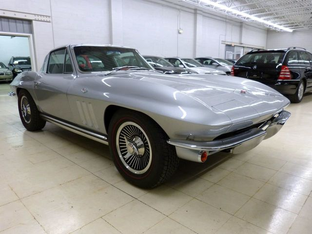 1965 Chevrolet CORVETTE  - Click to see full-size photo viewer