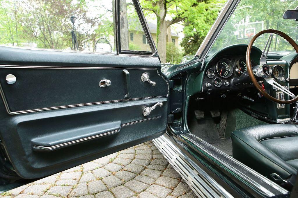 1965 Chevrolet Corvette 396/425 - 15669365 - 25