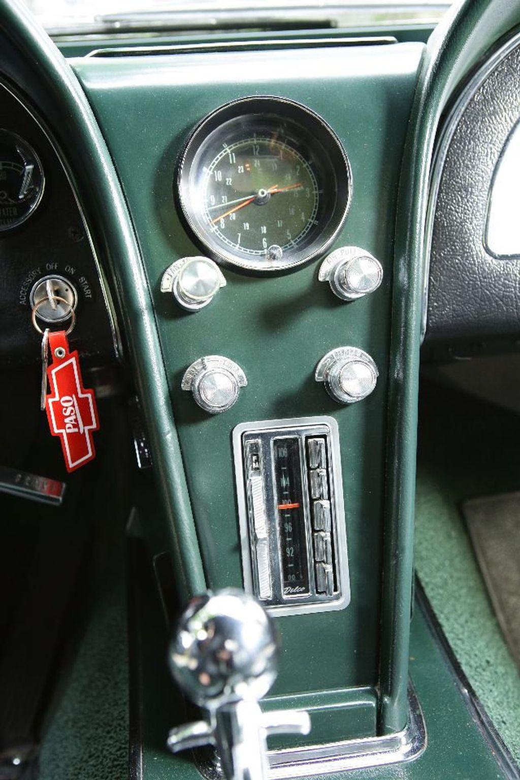 1965 Chevrolet Corvette 396/425 - 15669365 - 33