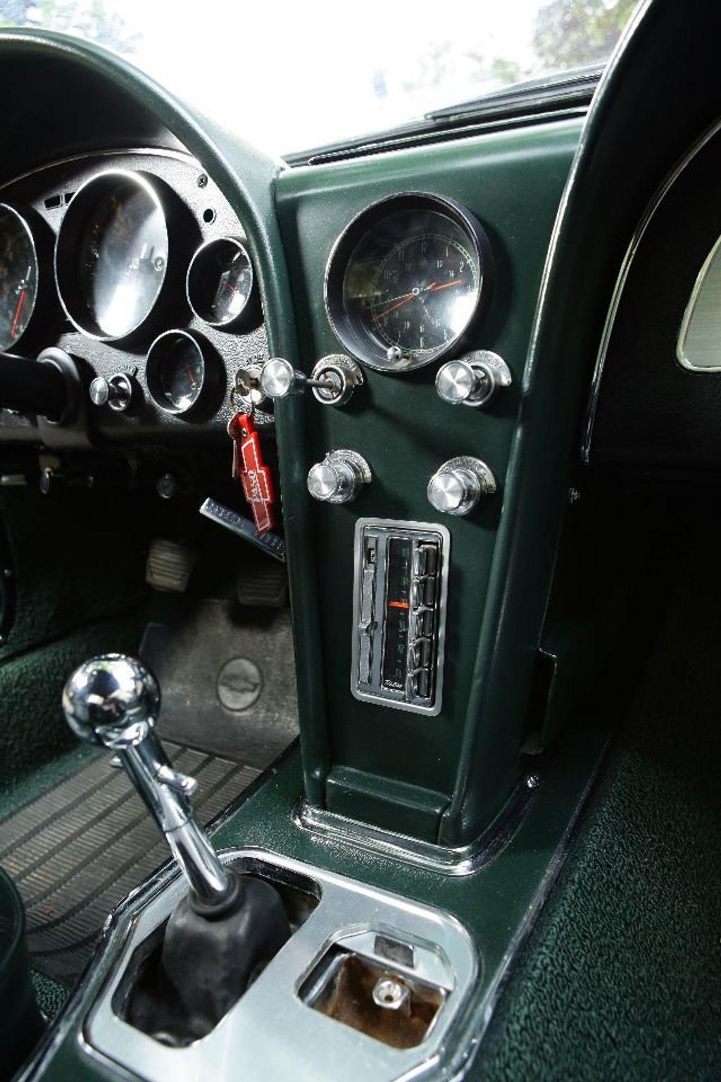 1965 Chevrolet Corvette 396/425 - 15669365 - 38
