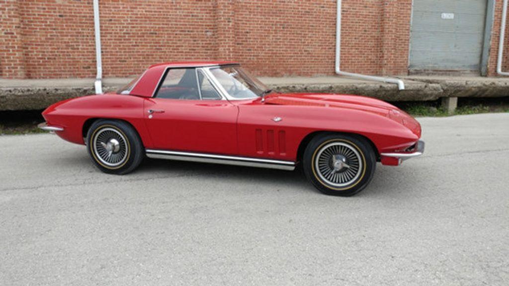1965 Chevrolet Corvette Convertible - 16964598 - 17