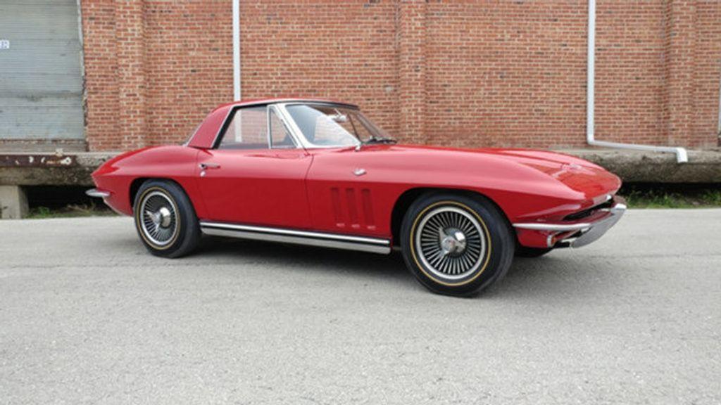1965 Chevrolet Corvette Convertible - 16964598 - 19