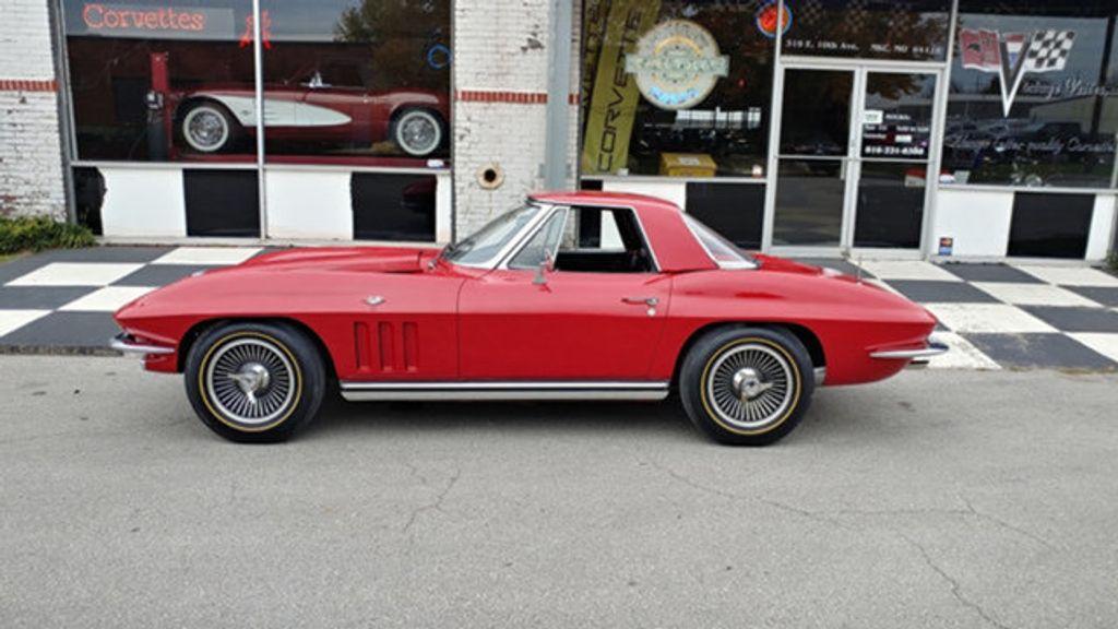 1965 Chevrolet Corvette Convertible - 16964598 - 22