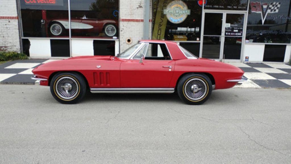 1965 Chevrolet Corvette Convertible - 16964598 - 23