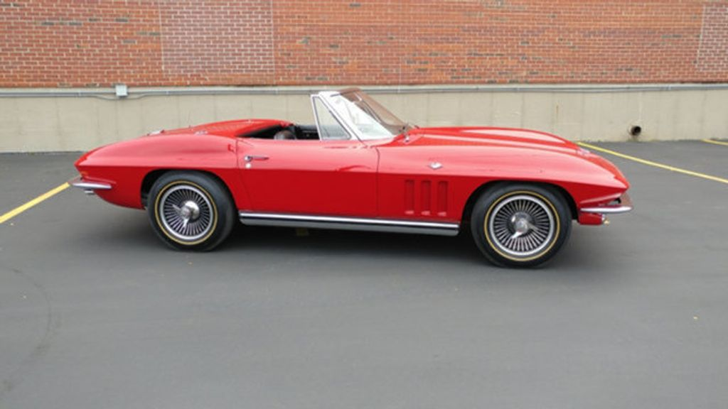 1965 Chevrolet Corvette Convertible - 16964598 - 30