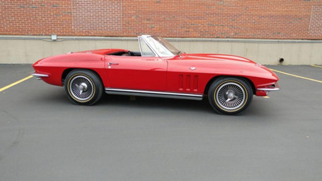 1965 Chevrolet Corvette Convertible - 16964598 - 31