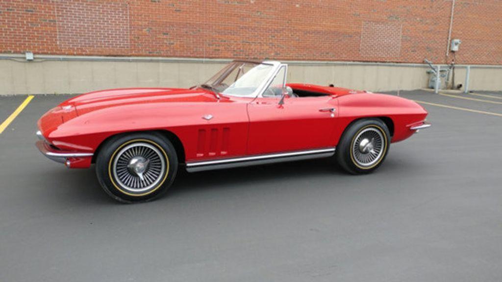 1965 Chevrolet Corvette Convertible - 16964598 - 37