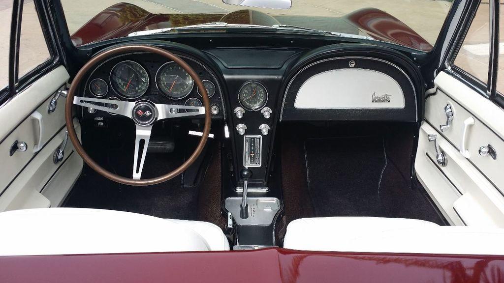 1965 Chevrolet Corvette Stingray - 14686656 - 21