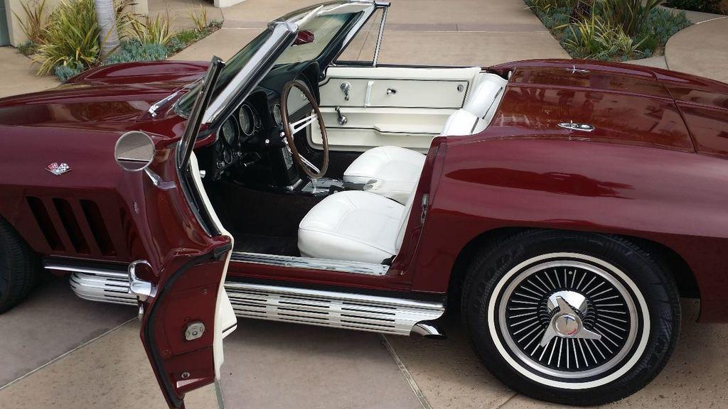 1965 Chevrolet Corvette Stingray - 14686656 - 23