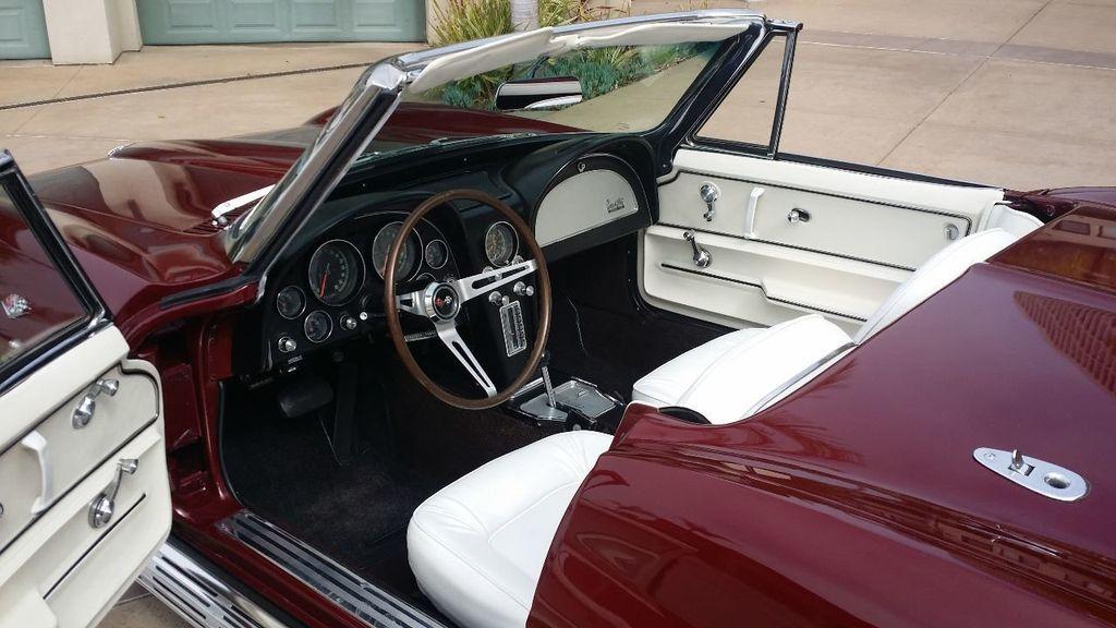 1965 Chevrolet Corvette Stingray - 14686656 - 24