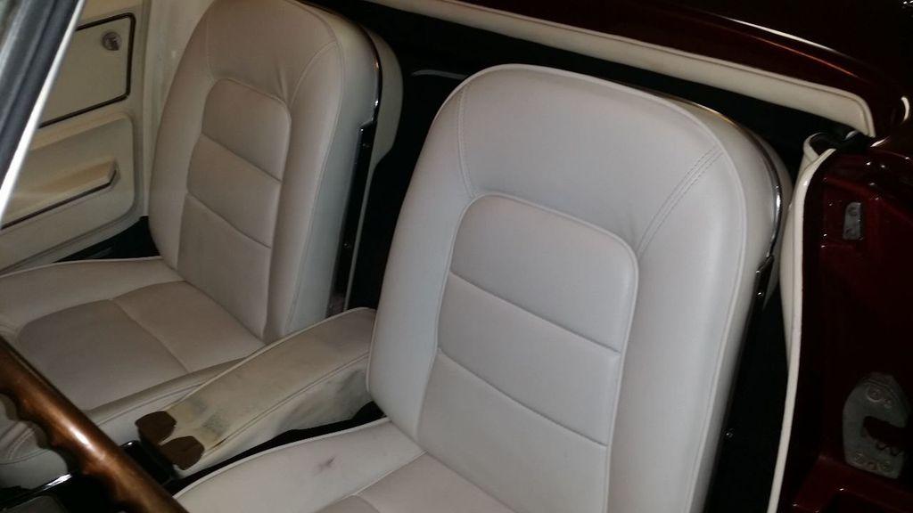 1965 Chevrolet Corvette Stingray - 14686656 - 28