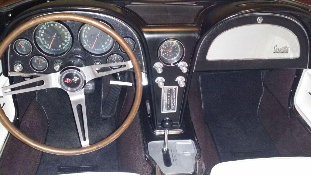 1965 Chevrolet Corvette Stingray - 14686656 - 29