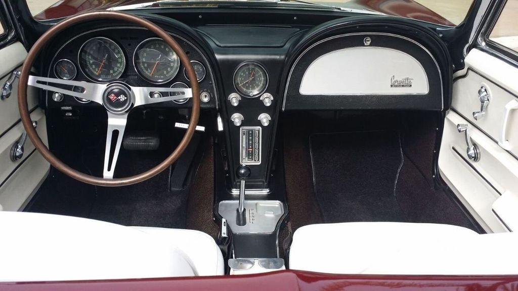 1965 Chevrolet Corvette Stingray - 14686656 - 32