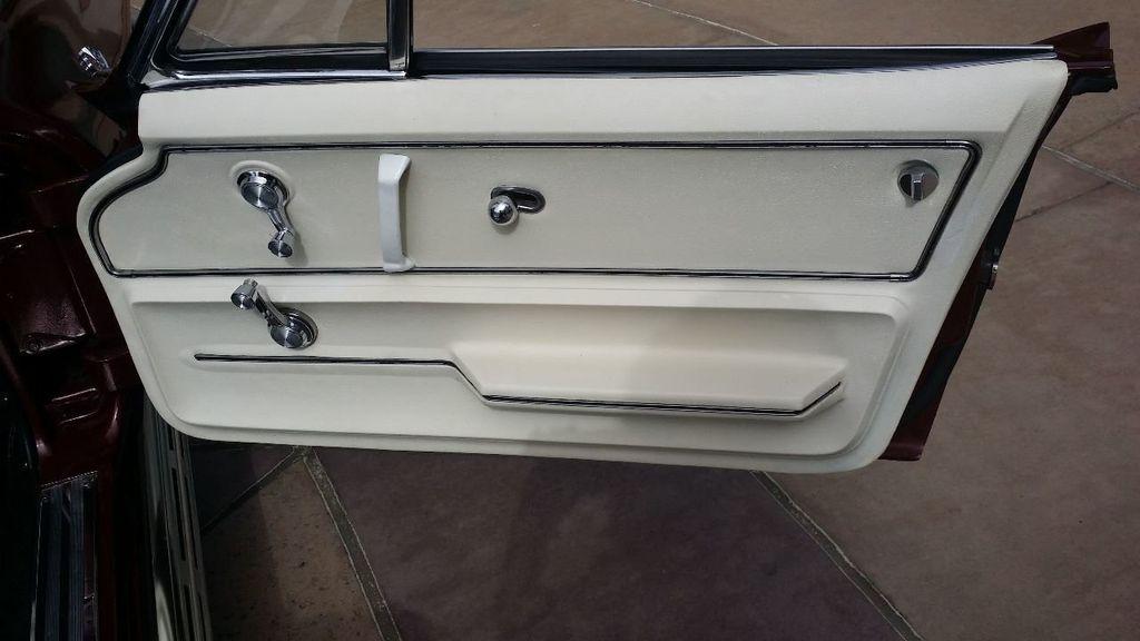 1965 Chevrolet Corvette Stingray - 14686656 - 37