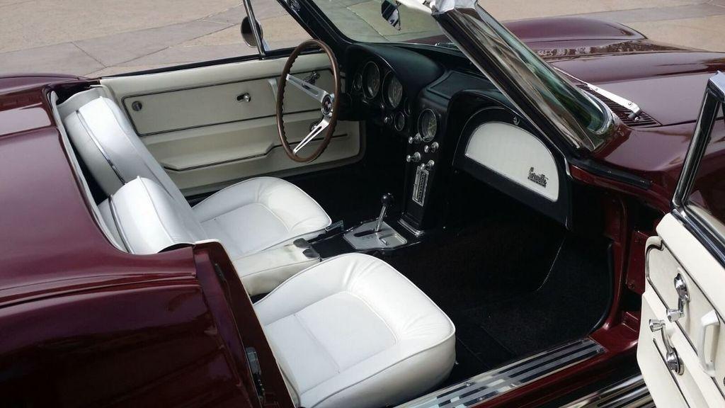 1965 Chevrolet Corvette Stingray - 14686656 - 38