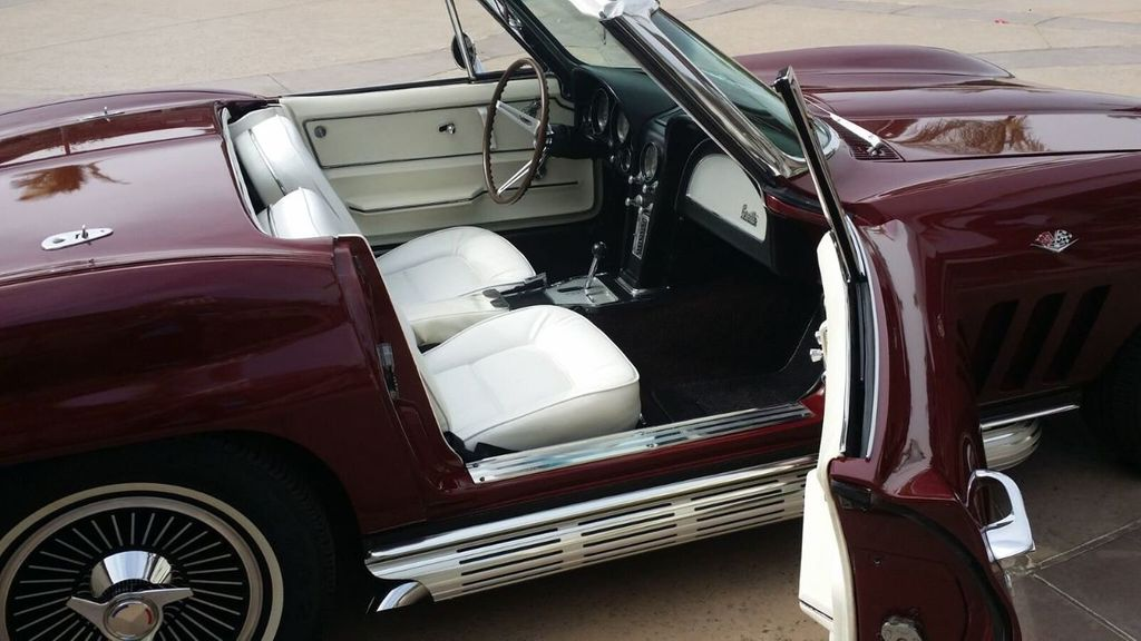 1965 Chevrolet Corvette Stingray - 14686656 - 40
