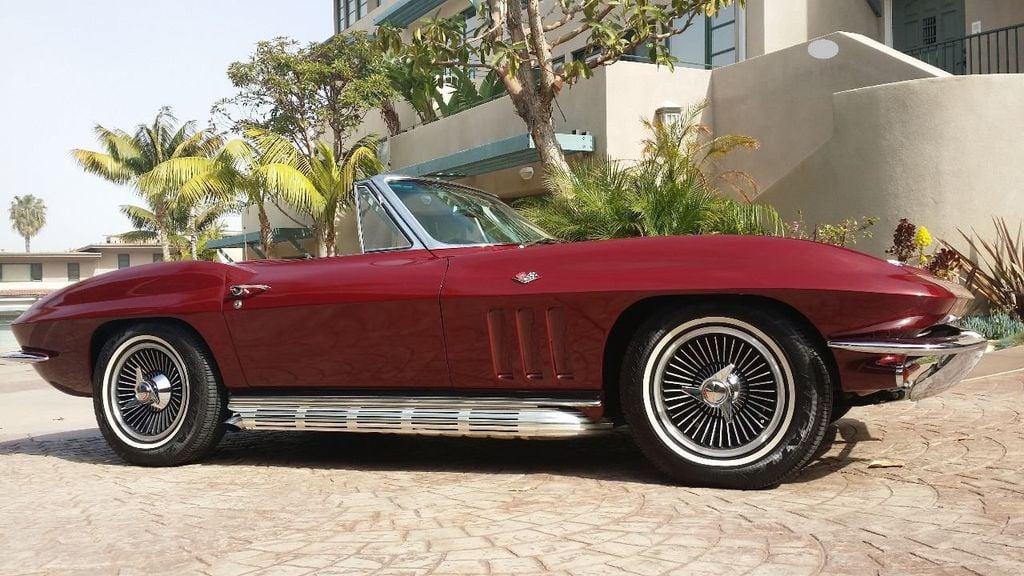 1965 Chevrolet Corvette Stingray - 14686656 - 8