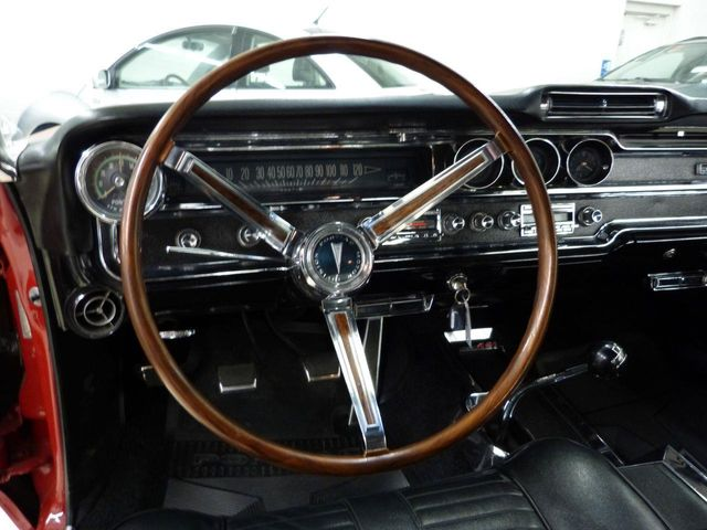1965 Pontiac 2+2 421 HO V8 - Click to see full-size photo viewer