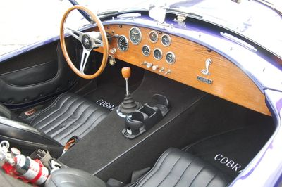 1965 Shelby Cobra 427 - Click to see full-size photo viewer
