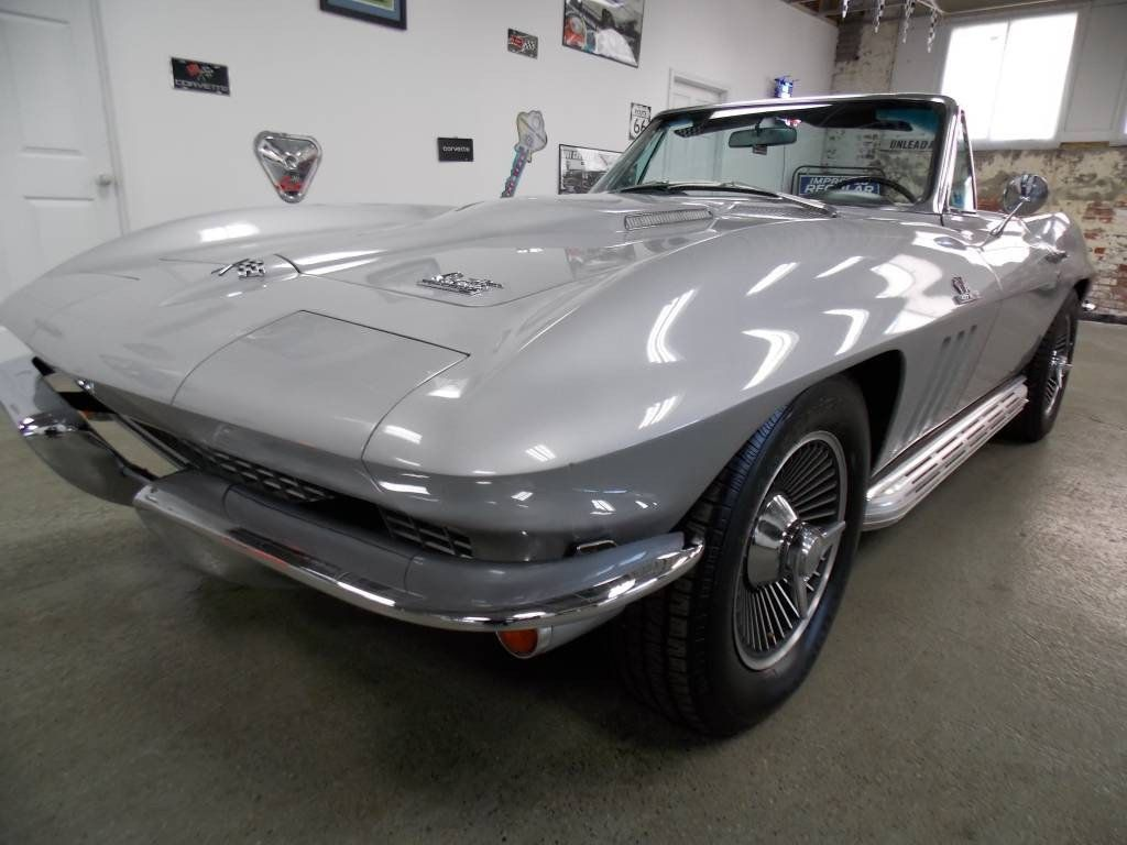 1966 Chevrolet Corvette Convertible - 16066771 - 15