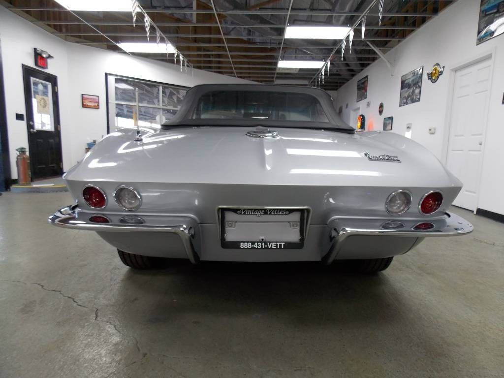 1966 Chevrolet Corvette Convertible - 16066771 - 3