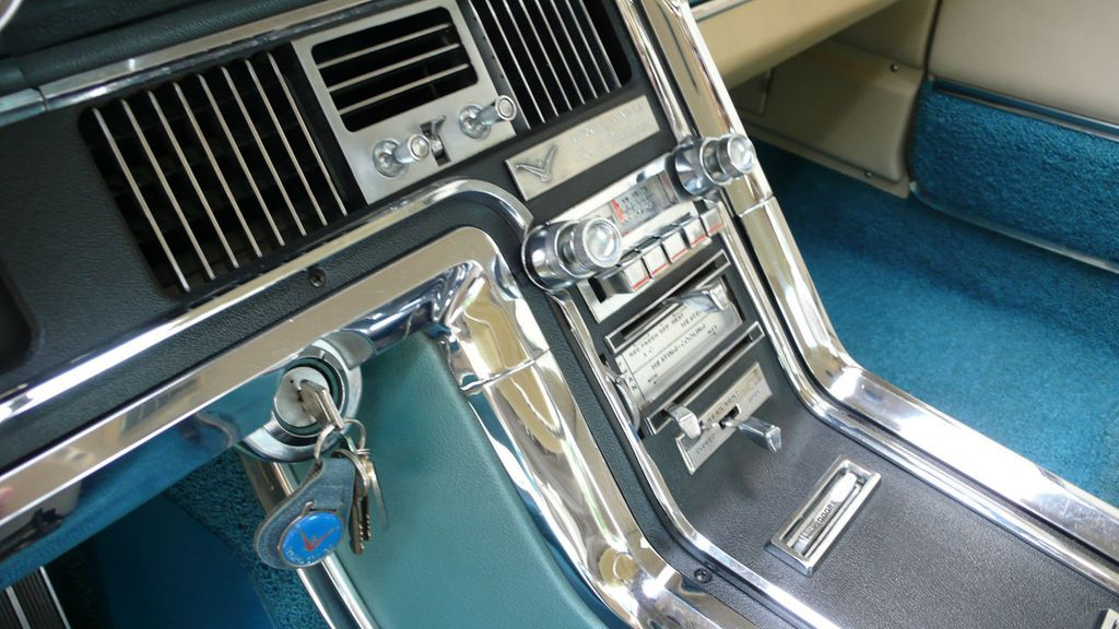 1966 Ford THUNDERBIRD  - 15208172 - 19