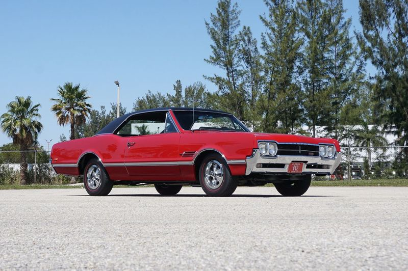 1966 Oldsmobile 442  - Click to see full-size photo viewer
