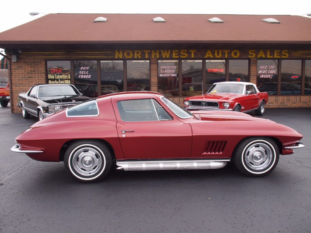 1967 Chevrolet Corvette Stingray - 17104572 - 0