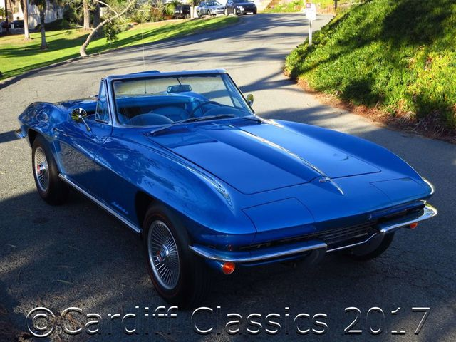 1967 Chevrolet Corvette Stingray Roadster - Click to see full-size photo viewer