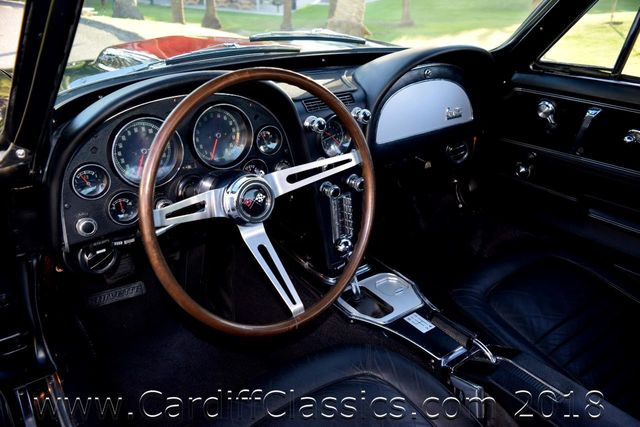 1967 Chevrolet Corvette Stingray 427  - Click to see full-size photo viewer