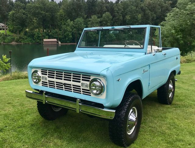 1967 Ford Bronco LUBR! 302 V8, Power Steering and Disc Brakes!  - 17785181 - 2