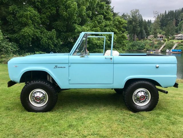1967 Ford Bronco LUBR! 302 V8, Power Steering and Disc Brakes!  - 17785181 - 5