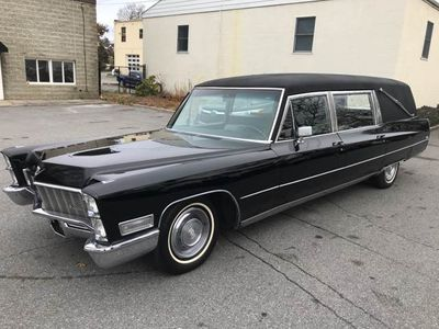 1968 Cadillac Fleetwood Miller Meteor Coach Hearse Sedan
