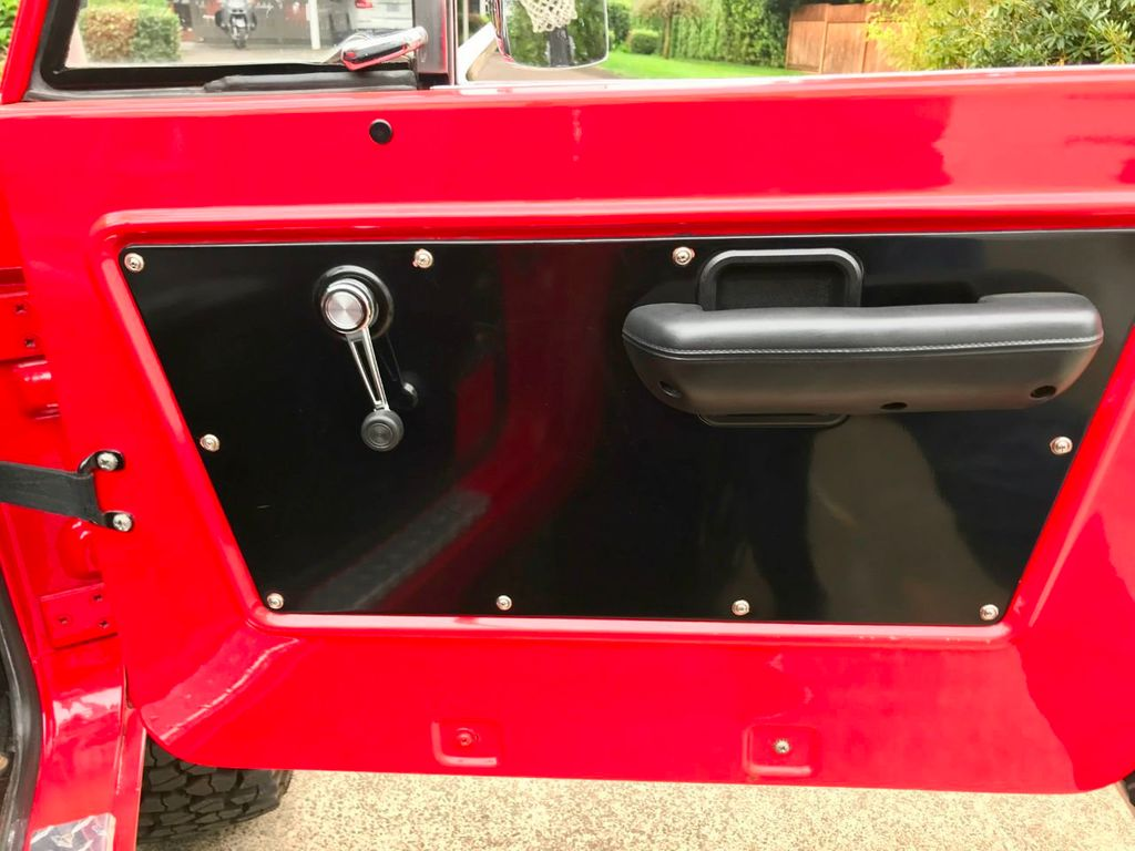 1968 Ford Bronco V8, Automatic, 4 Wheel Disc Brakes, Power Steering!  - 17886093 - 25